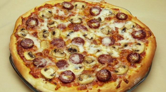 Pizza Hamuru Nasıl Yapılır? (Resimli Anlatım)