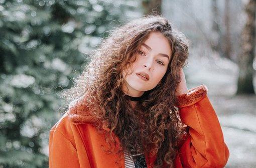 Kadınlarda Kıvırcık Saç Modelleri